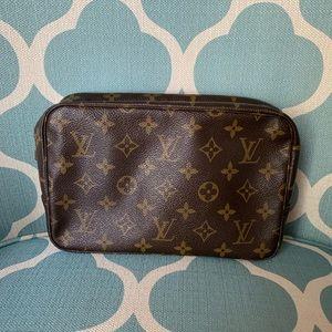 Louis Vuitton Trousse 23 Cosmetic Bag